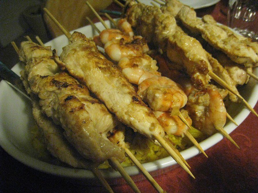 Indonesisk satay med peanutsauce