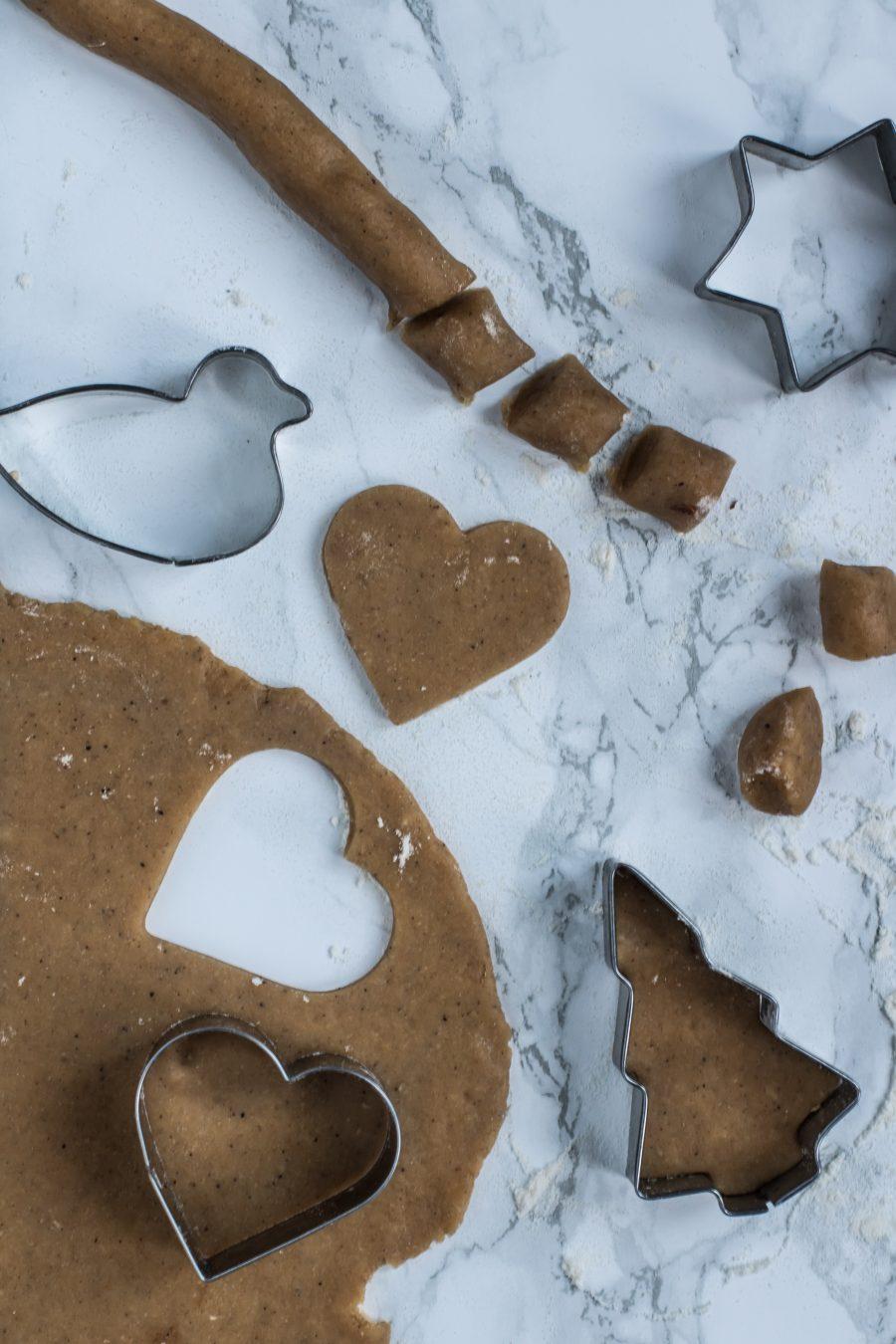 Pebernødder og julefigurer