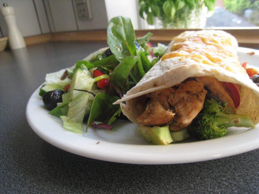 Wraps med kylling-grøntsagsfyld