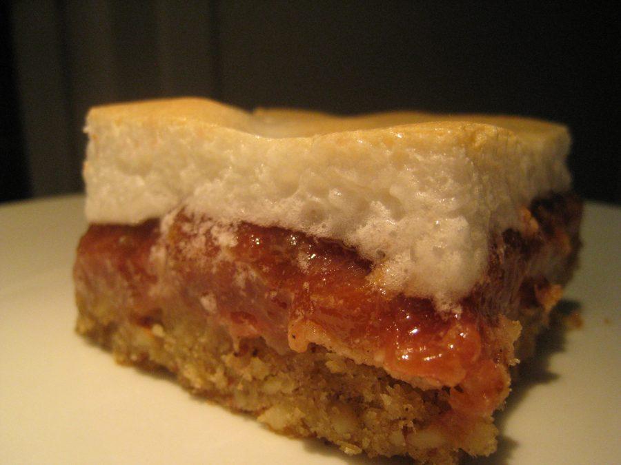 Dessert med rabarber og marengs