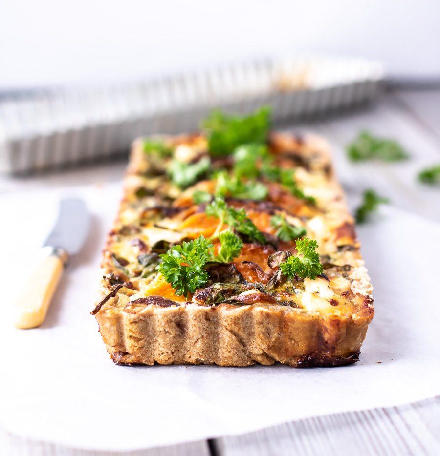 Tærte med butternut squash, feta og spinat