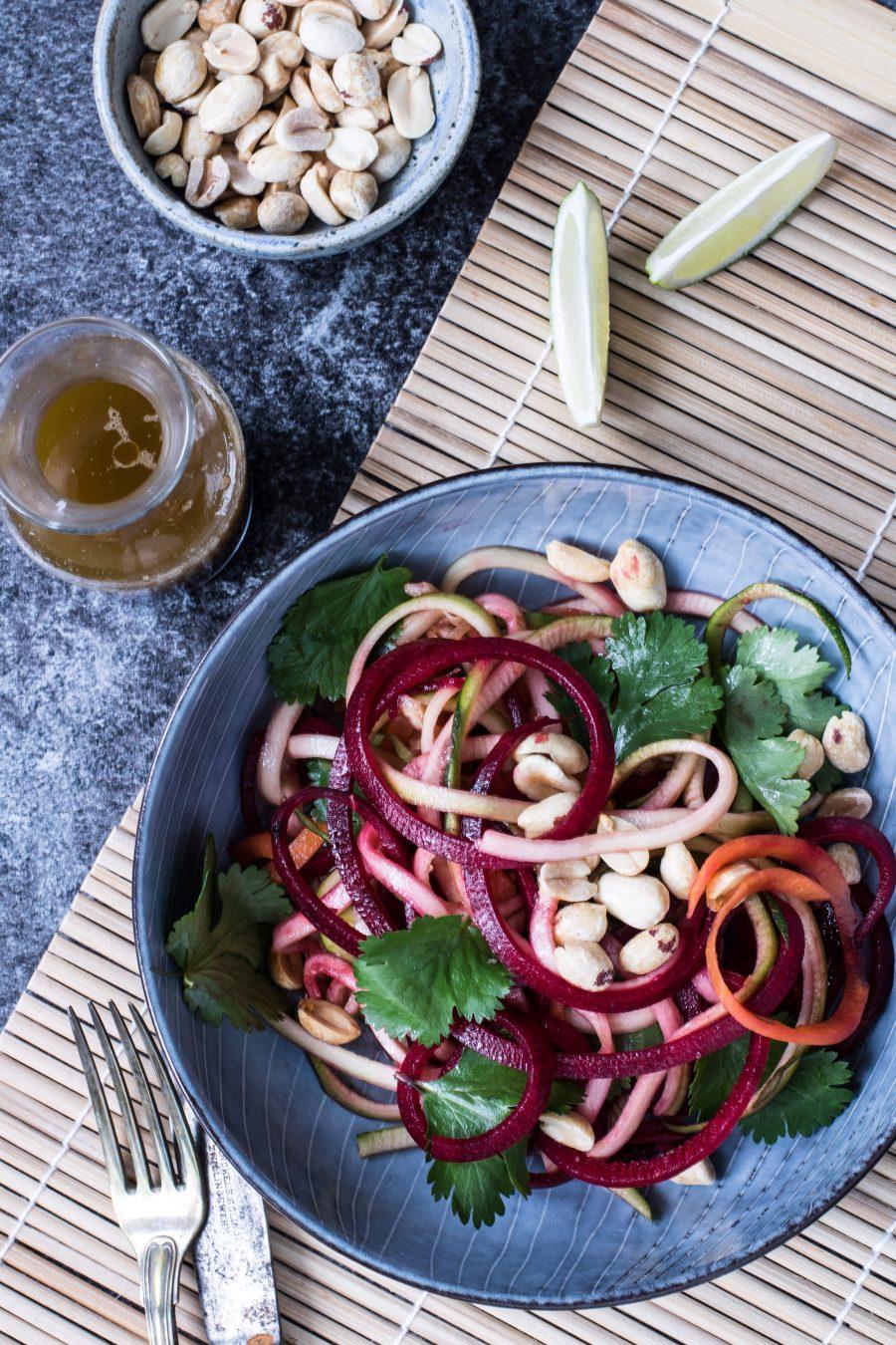 Thai salat - orientalsk inpireret slaw med nordisk twist