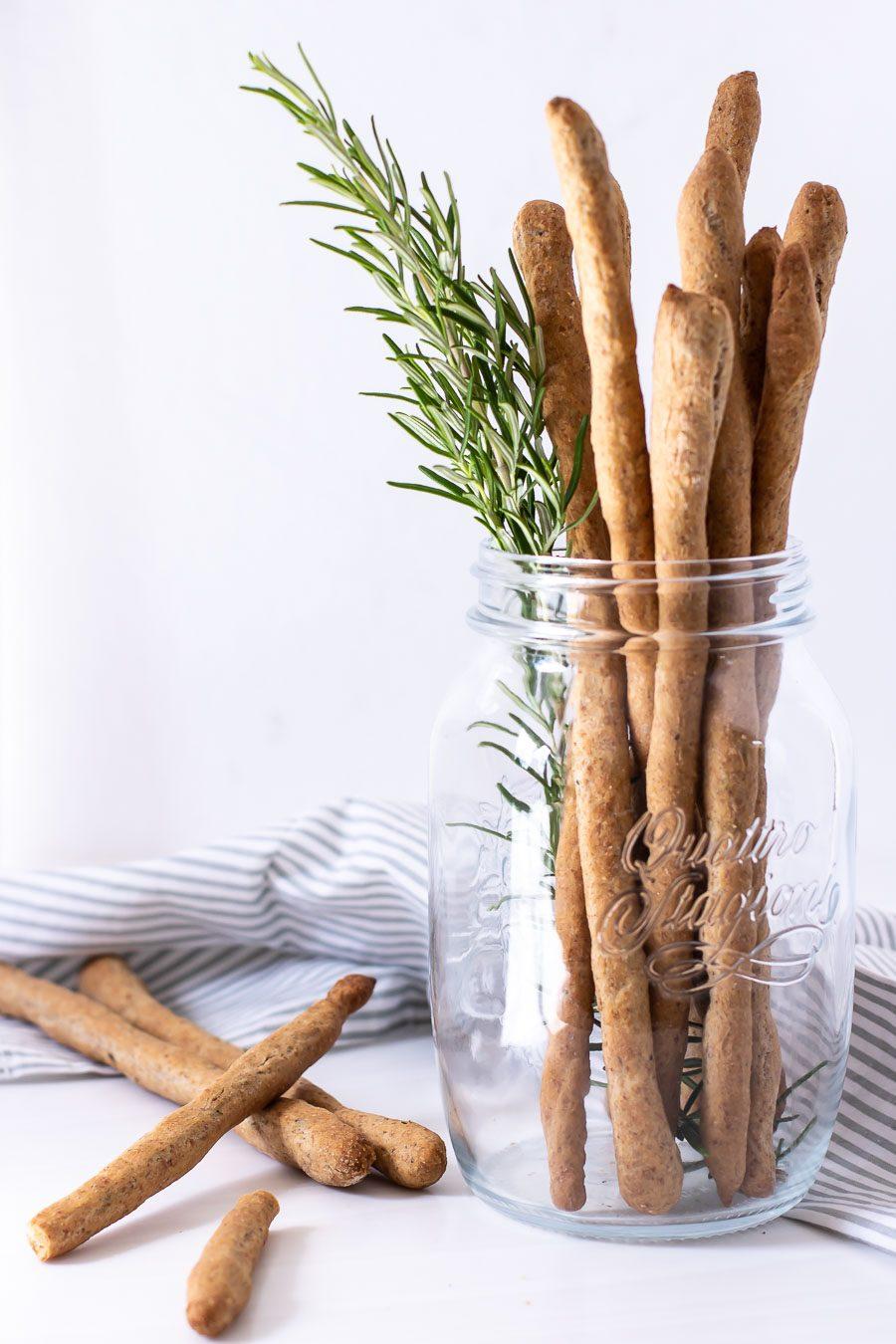 Grissini med rosmarin og rugmel - sund snack