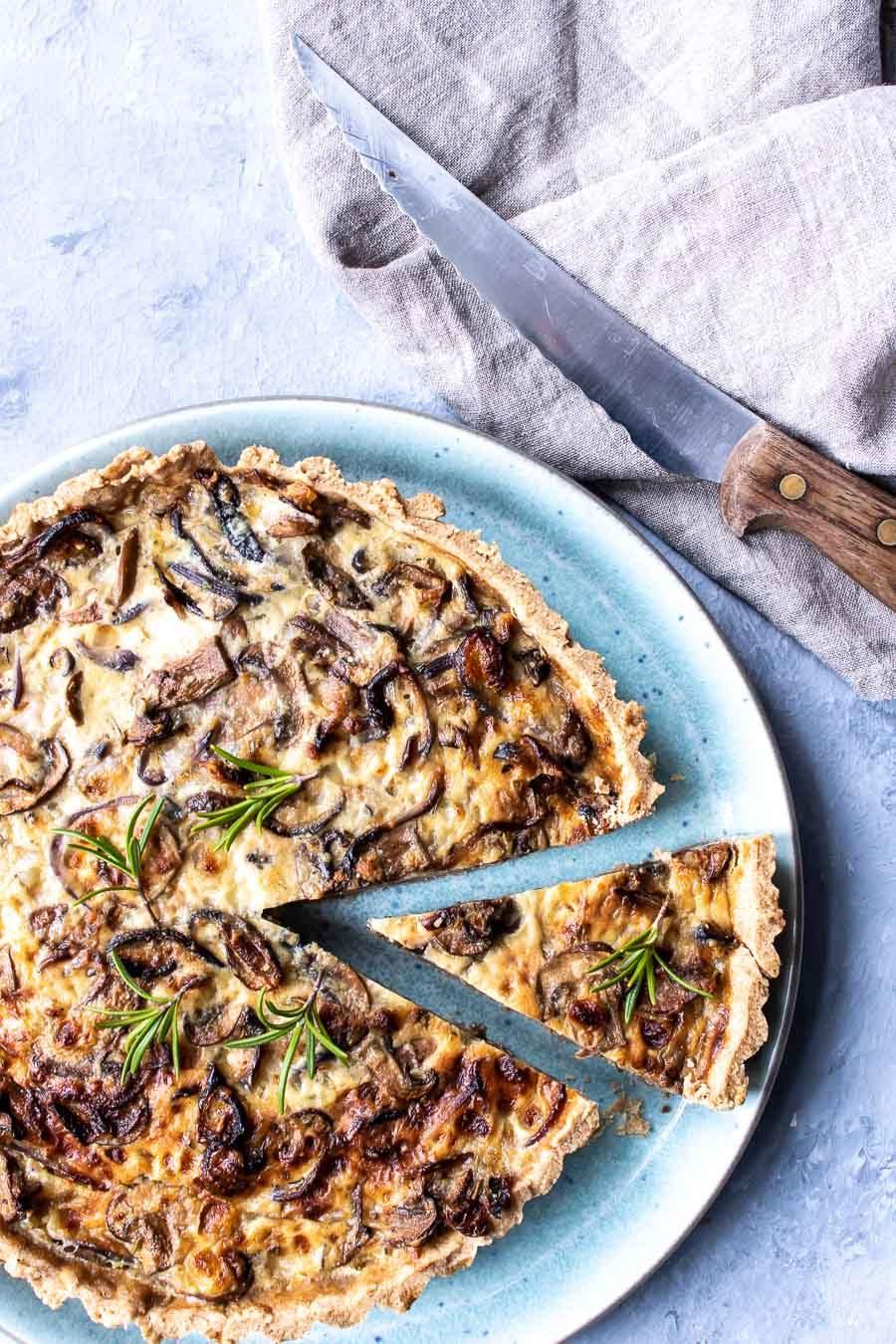 Champignontærte med hytteost og parmesan