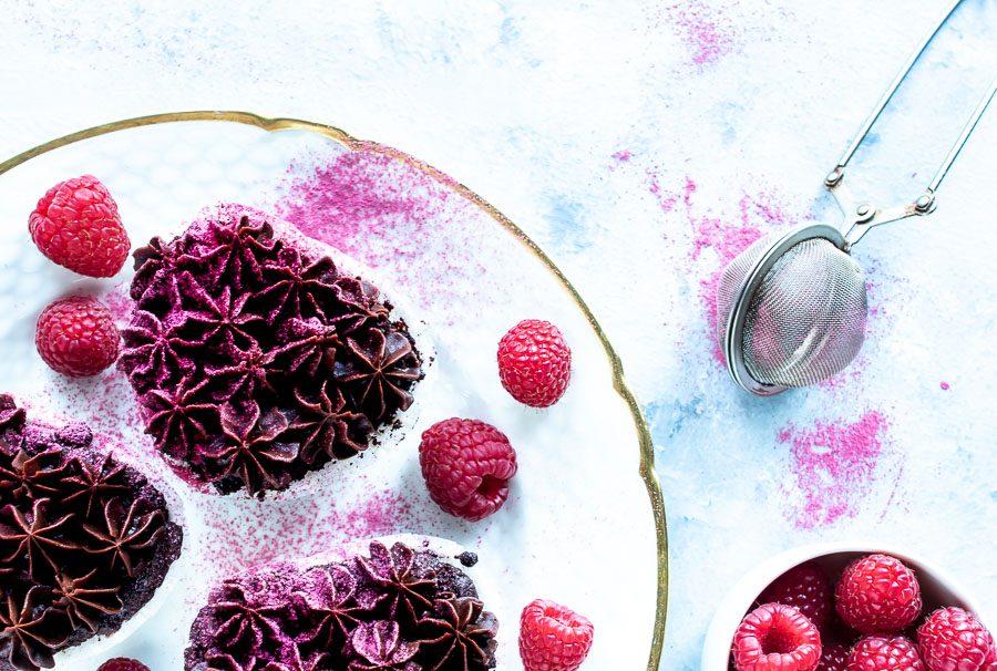 Chokolademuffins med hindbær og chokoladeganache