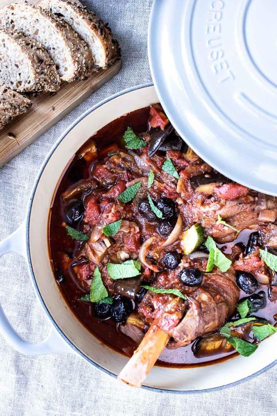 Græsk lammegryde med tomat og aubergine