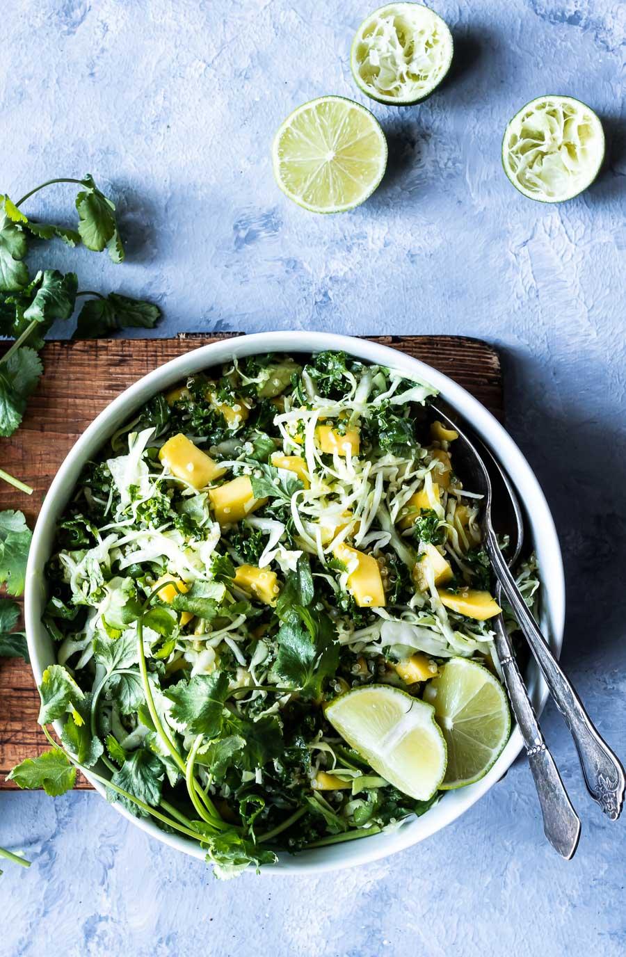 Mexicansk kålsalat – med mango og avocado