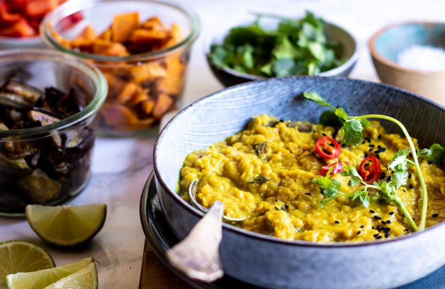 Indisk dhal med røde linser og kokosmælk